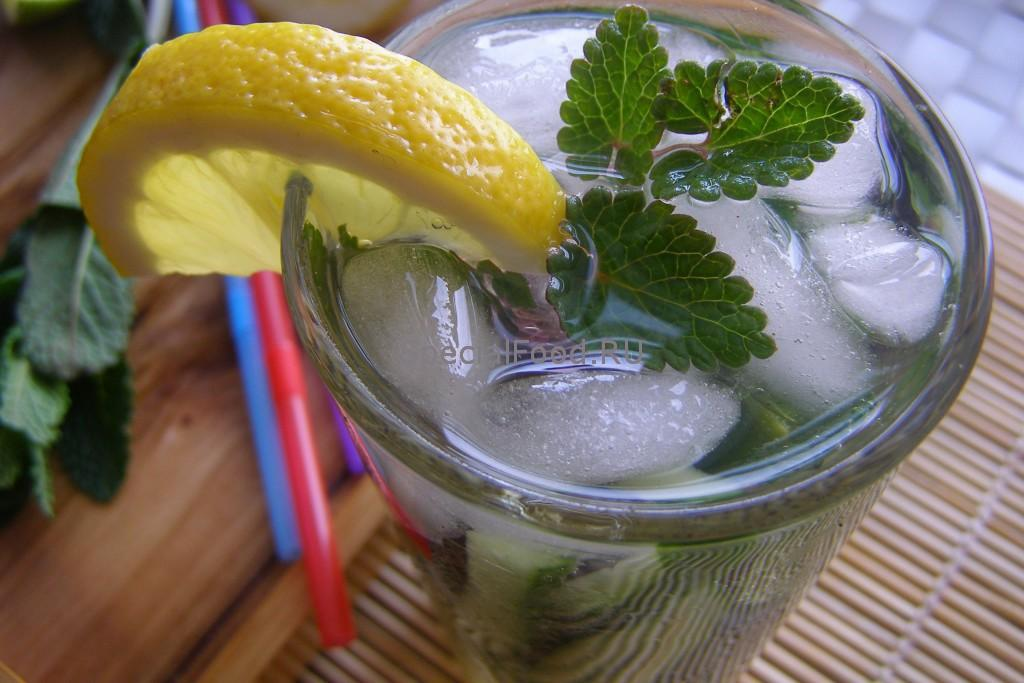 Мятно-имбирный лимонад с огурцами