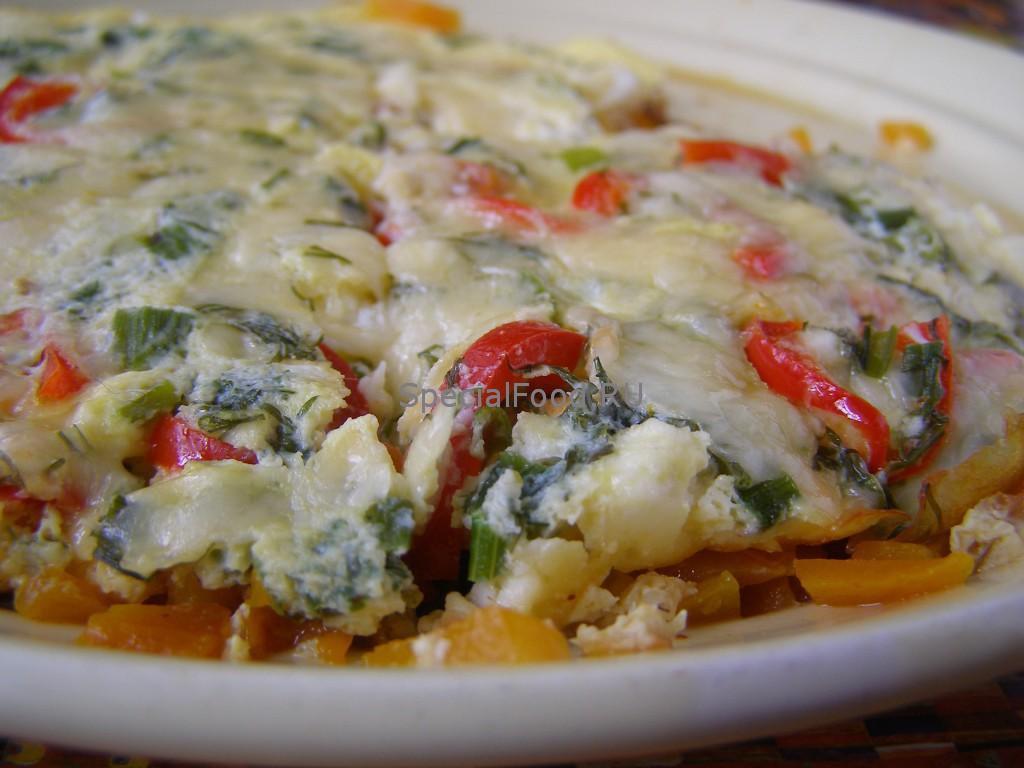 Омлет с овощами и сыром
