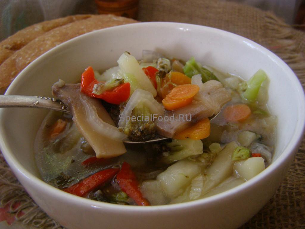 Суп овощной с грибами