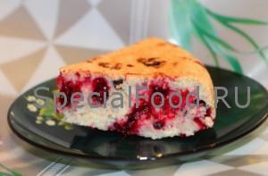 Пирог с жимолостью