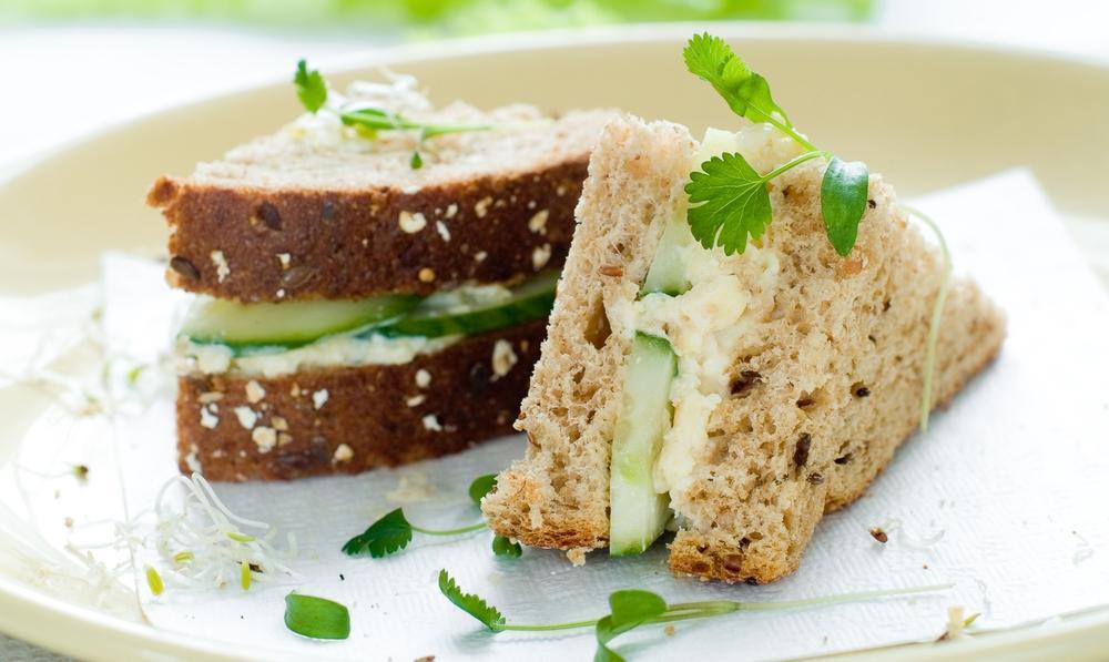 Сэндвич с майонезом из фасоли