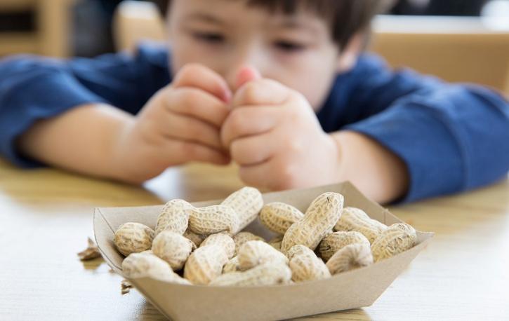 Польза арахиса для ребенка