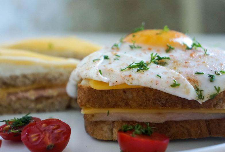 """Горячий бутерброд """"Крок-месье"""""""