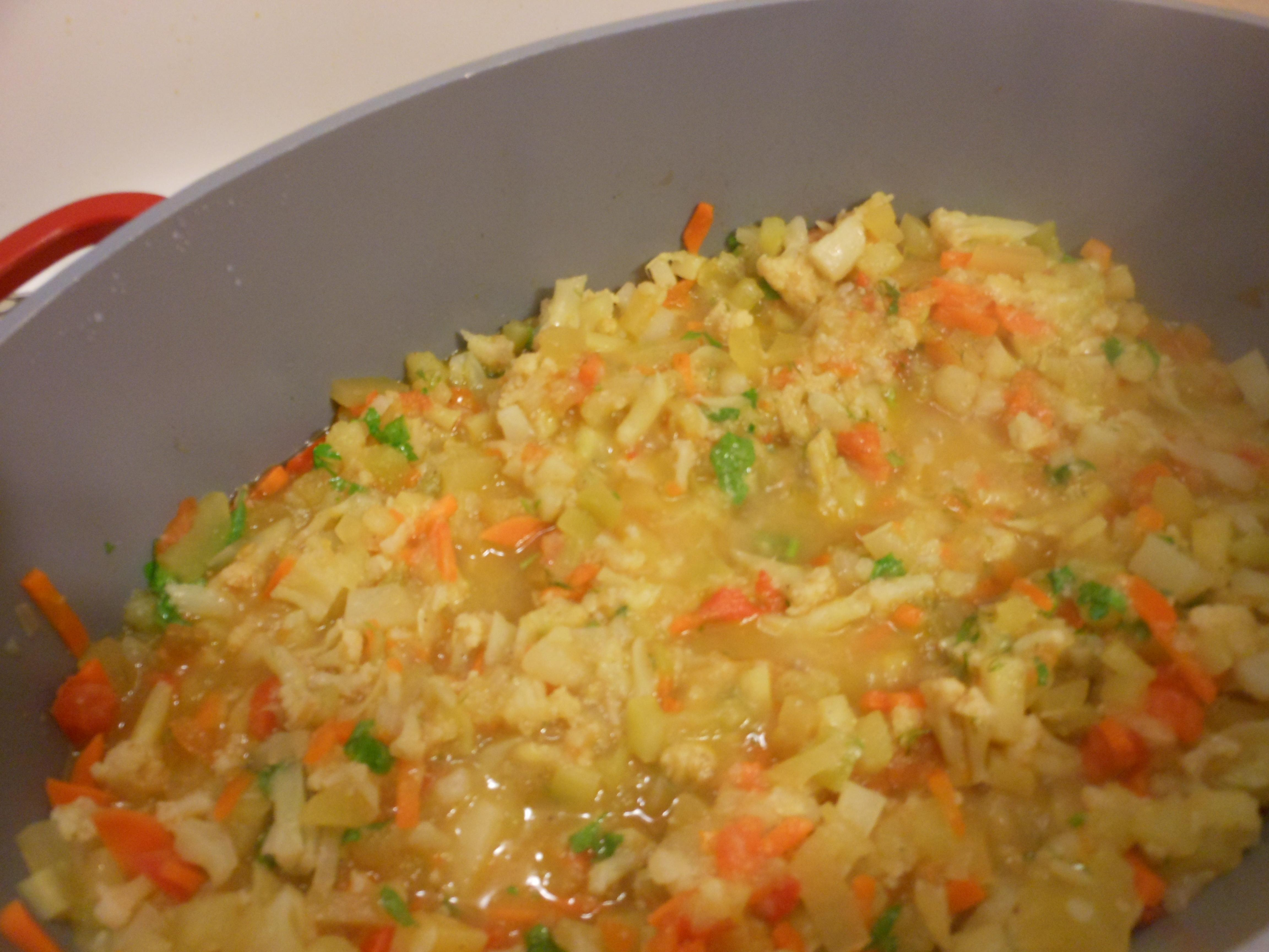 Овощное рагу с кабачком и цветной капустой
