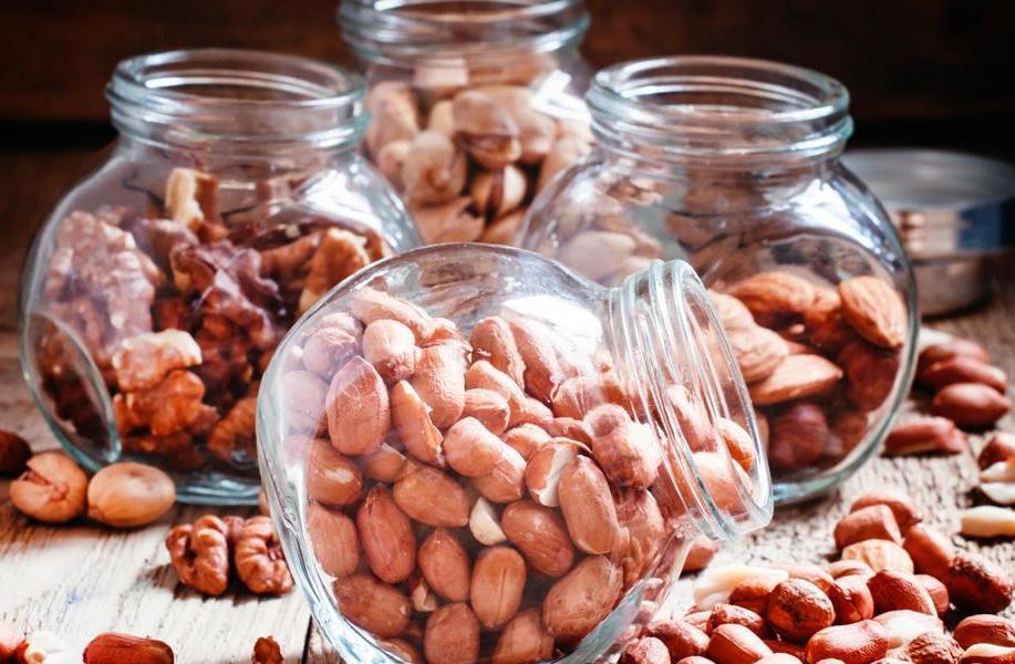 Хранить орехи