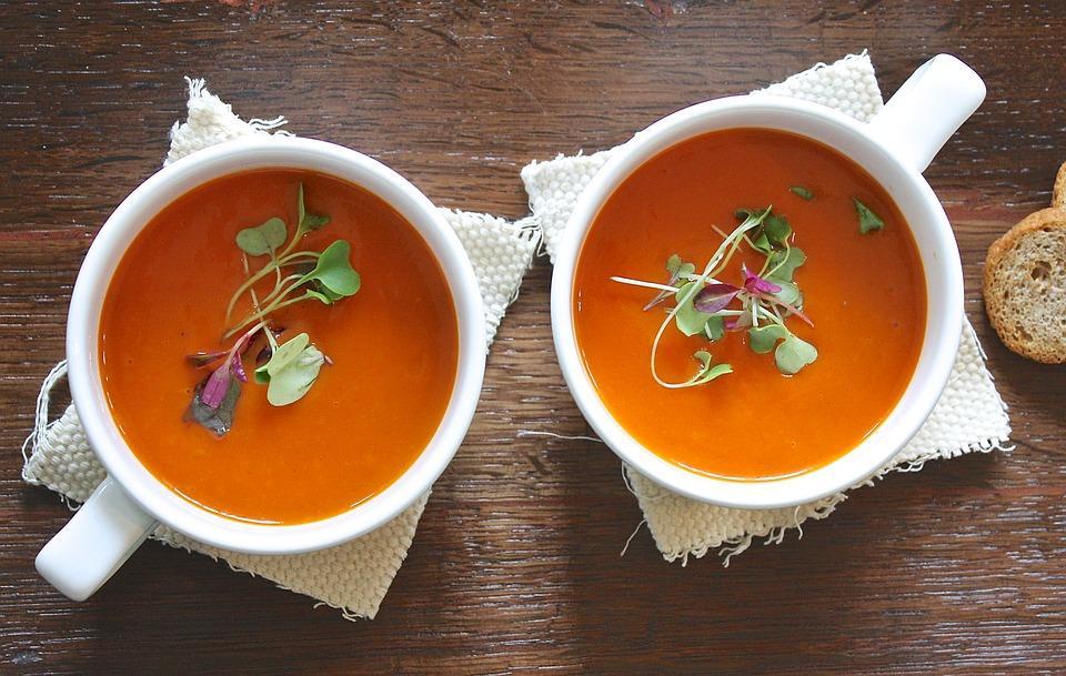 две тарелки супа