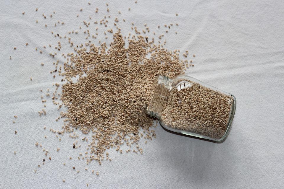 рассыпанные семена