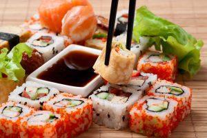 Как подать суши и роллы2