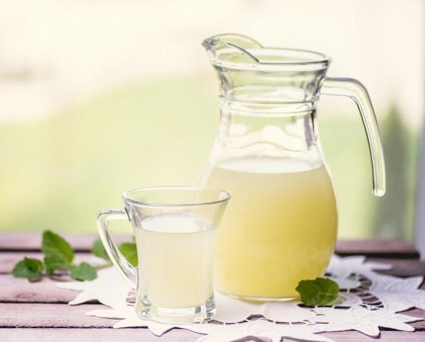 Сыворотка молочная  польза и вред дозы приема полезные свойства калорийность