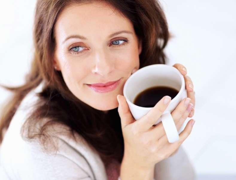 Почему вредно пить кофе и кому нельзя его употреблять