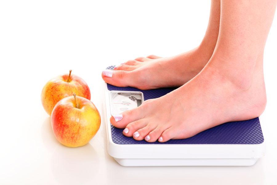 весы и яблоки
